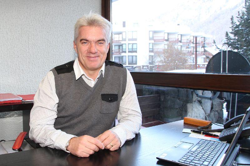 Xavier corne nouveau directeur de l office du tourisme je suis 200 l heure radio - Val d isere office du tourisme ...