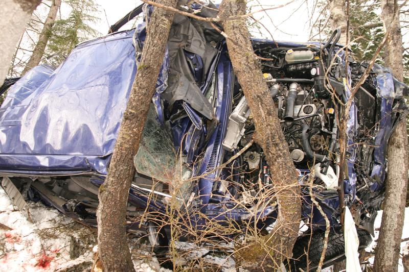 accident mortel sur la route du barrage radio tv val d 39 is re les infos avalines. Black Bedroom Furniture Sets. Home Design Ideas